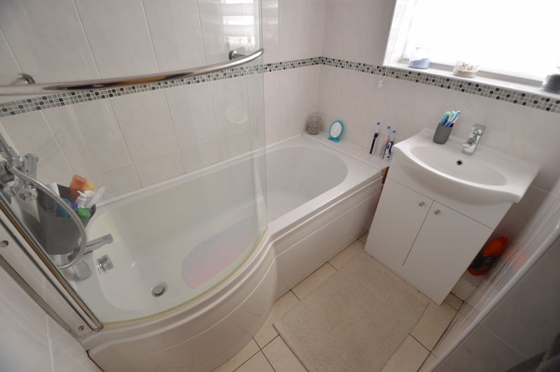 3 bedroom End Terrace to buy in Littlechurch Road, Luton - Photo 12