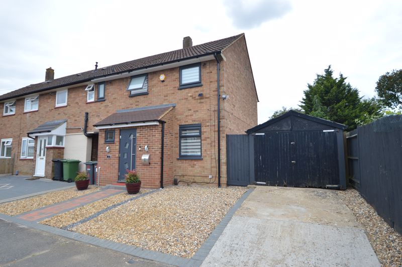 3 bedroom End Terrace to buy in Littlechurch Road, Luton