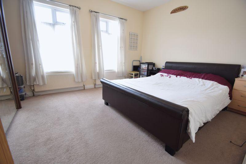 3 bedroom Mid Terrace to buy in Norman Road, Luton - Photo 8