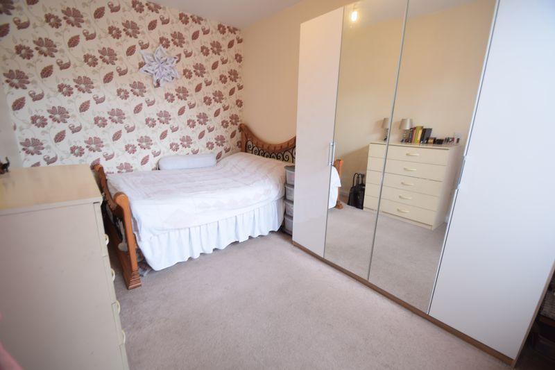 3 bedroom Mid Terrace to buy in Norman Road, Luton - Photo 10