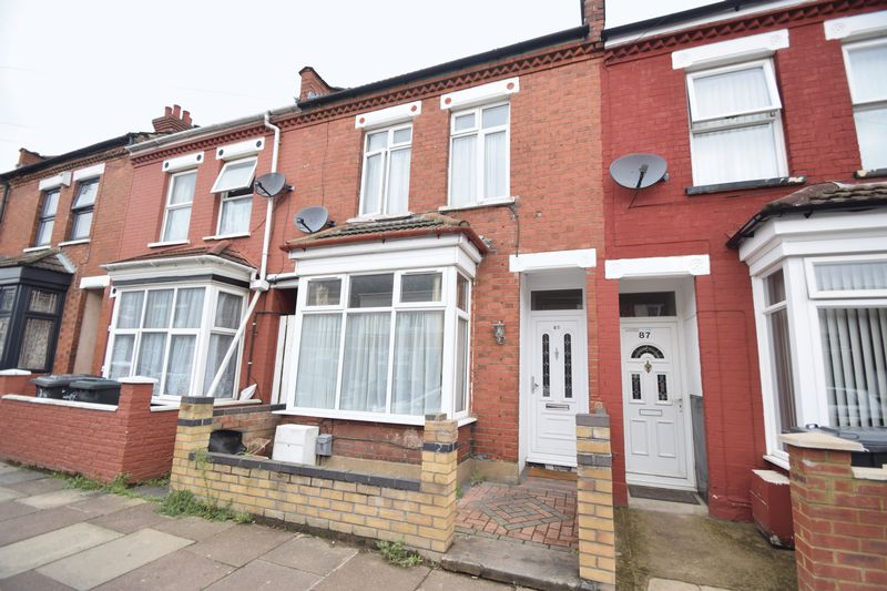 3 bedroom Mid Terrace to buy in Norman Road, Luton