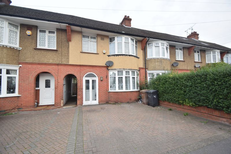 3 bedroom Mid Terrace to buy in Bancroft Road, Luton