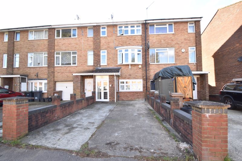 3 bedroom Mid Terrace to buy in Tenby Drive, Luton