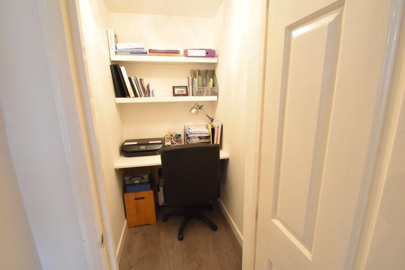 4 bedroom Mid Terrace to buy in Marsom Grove, Luton - Photo 6