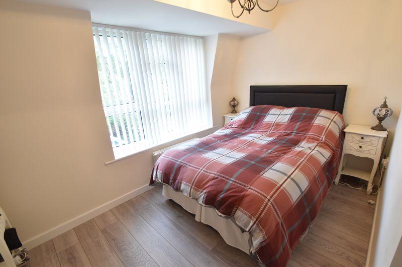 4 bedroom Mid Terrace to buy in Marsom Grove, Luton - Photo 13