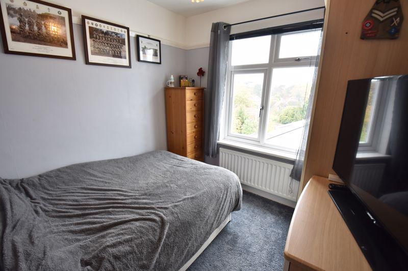 3 bedroom  to buy in Wardown Crescent, Luton - Photo 11