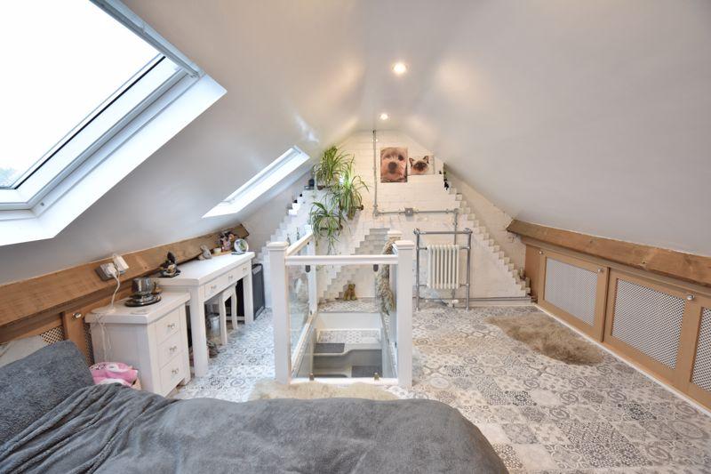 3 bedroom  to buy in Wardown Crescent, Luton - Photo 21