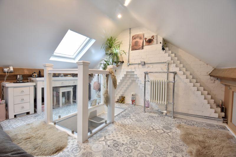 3 bedroom  to buy in Wardown Crescent, Luton - Photo 22