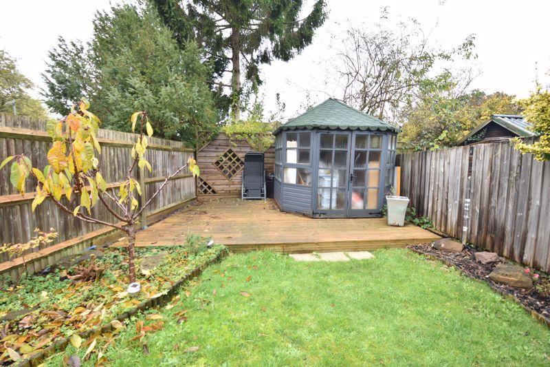 3 bedroom  to buy in Wardown Crescent, Luton - Photo 15