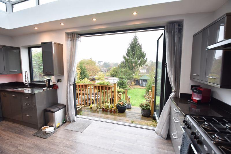 3 bedroom  to buy in Wardown Crescent, Luton - Photo 19