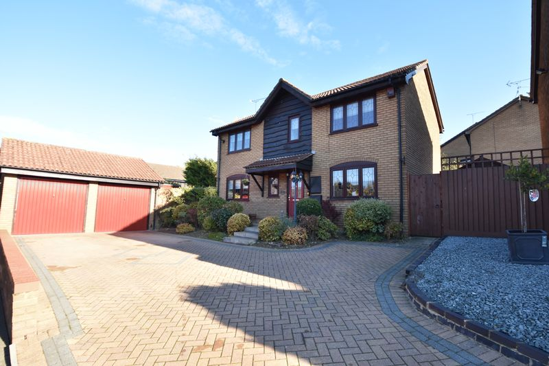 4 bedroom Detached  to buy in Ryefield, Luton