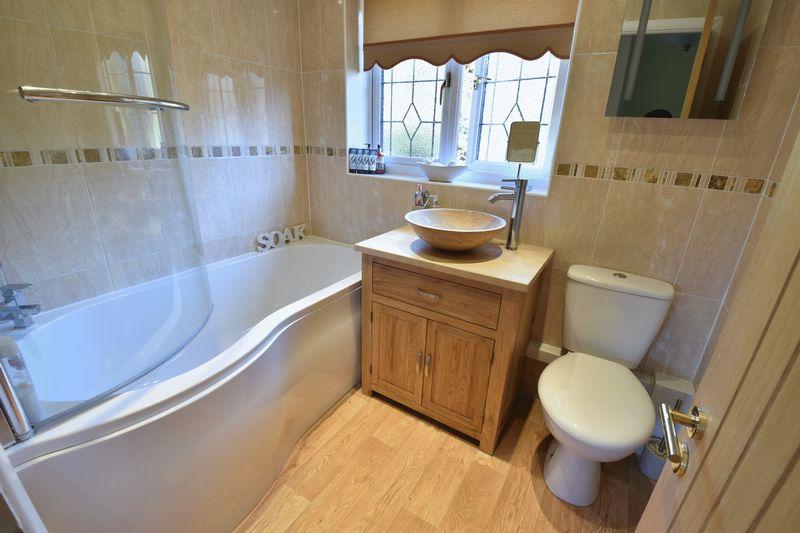 4 bedroom Detached  to buy in Ryefield, Luton - Photo 2