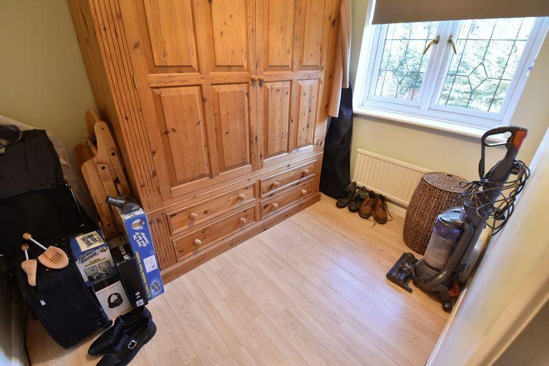 4 bedroom Detached  to buy in Ryefield, Luton - Photo 8