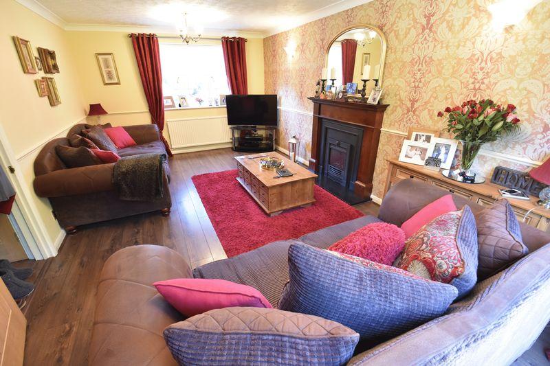 4 bedroom Detached  to buy in Ryefield, Luton - Photo 11