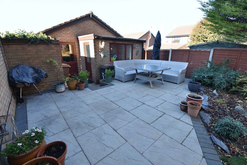 4 bedroom Detached  to buy in Ryefield, Luton - Photo 14