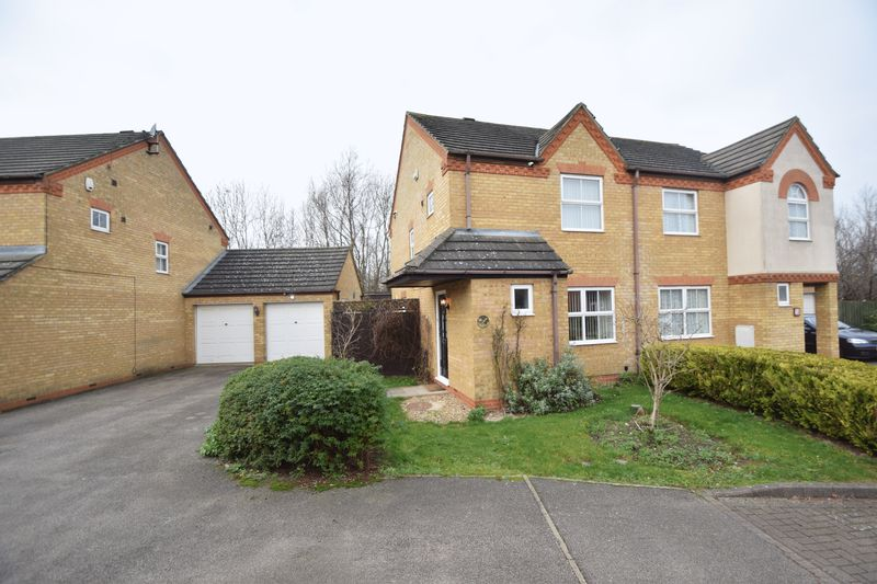 2 bedroom  to buy in Fisher Close, Bedford - Photo 13
