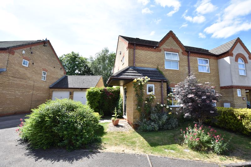 2 bedroom  to buy in Fisher Close, Bedford
