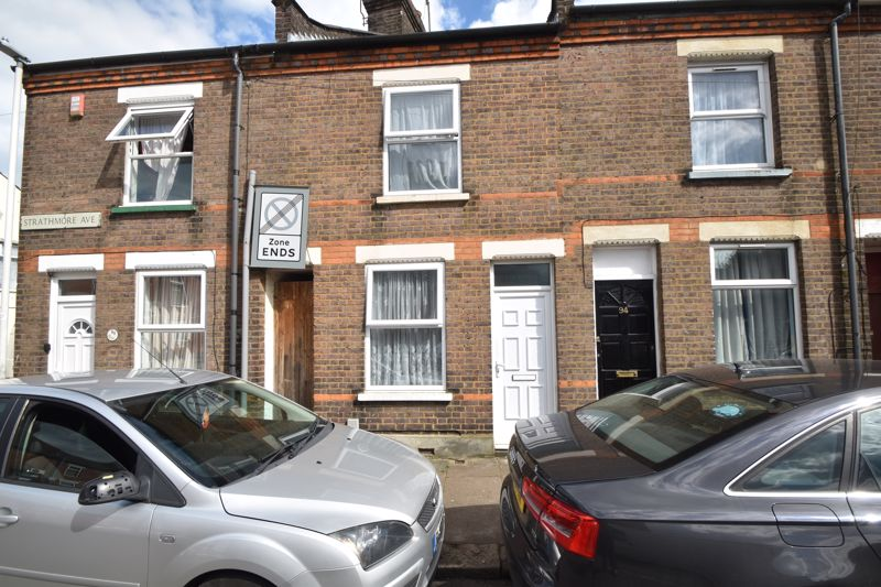 2 bedroom Mid Terrace to buy in Strathmore Avenue, Luton