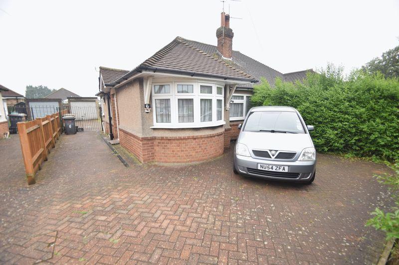 2 bedroom Bungalow to rent in Laburnum Grove, Luton