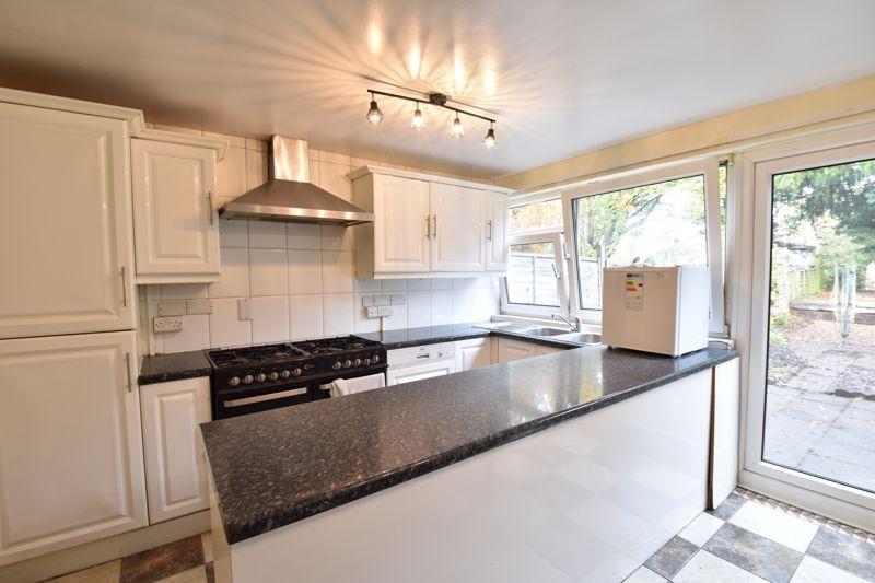 4 bedroom  to rent in Trowbridge Gardens, Luton