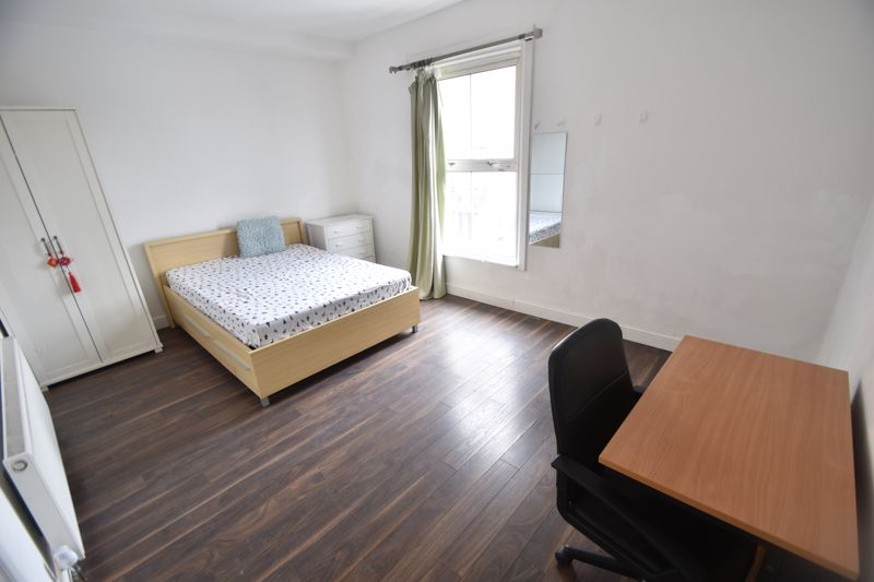 2 bedroom Flat to rent in Union Street, Luton - Photo 5