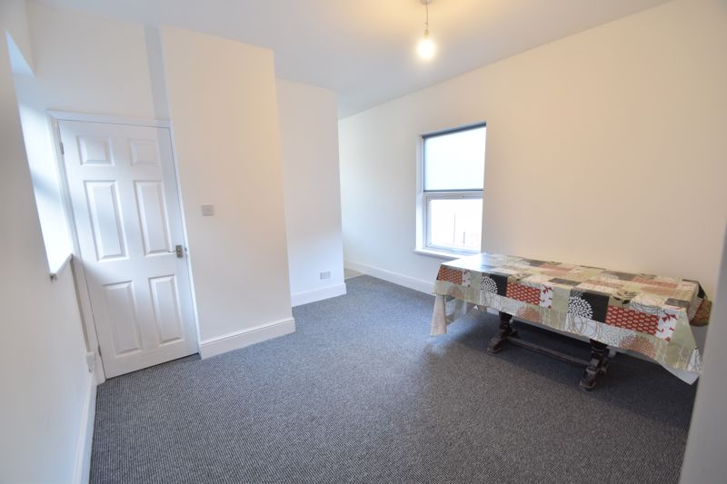 2 bedroom Flat to rent in Ashburnham Road, Luton - Photo 9