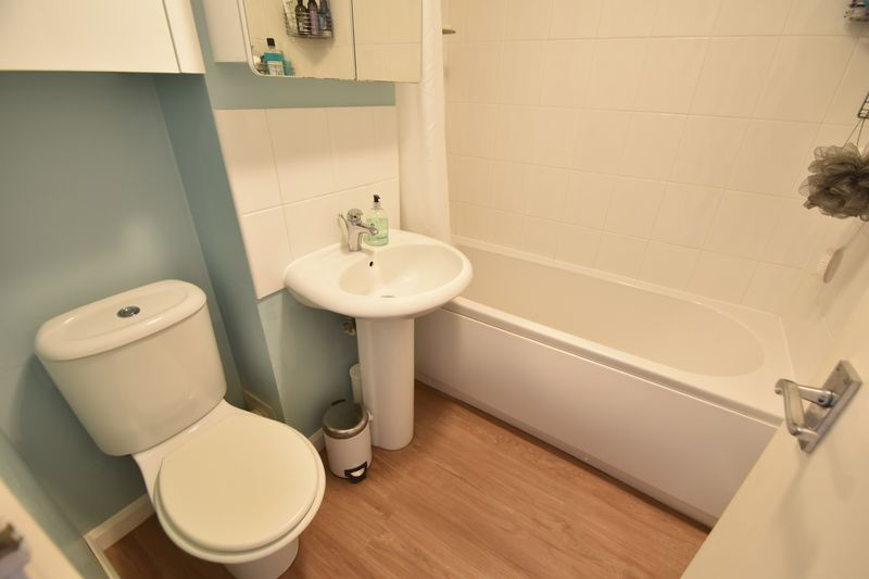 1 bedroom  to buy in Claverley Green, Luton - Photo 5