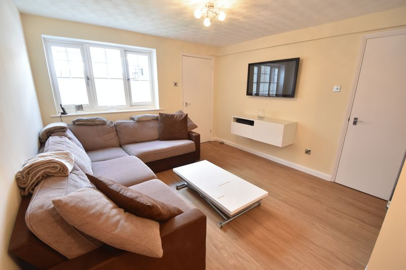 1 bedroom  to buy in Claverley Green, Luton - Photo 9