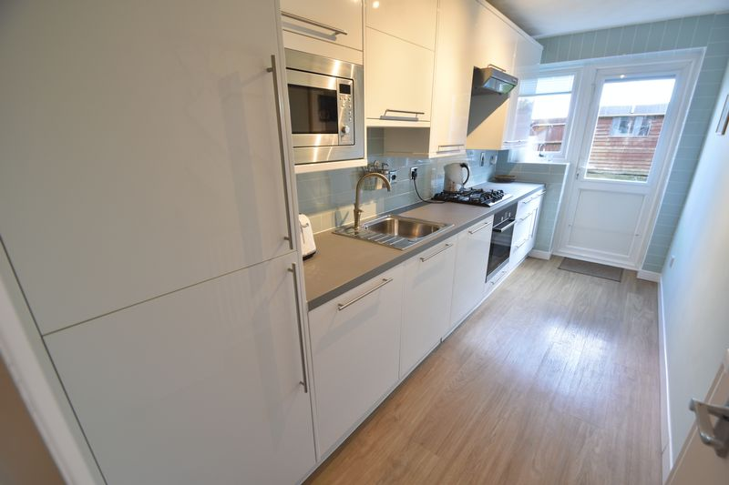 1 bedroom  to buy in Claverley Green, Luton - Photo 10
