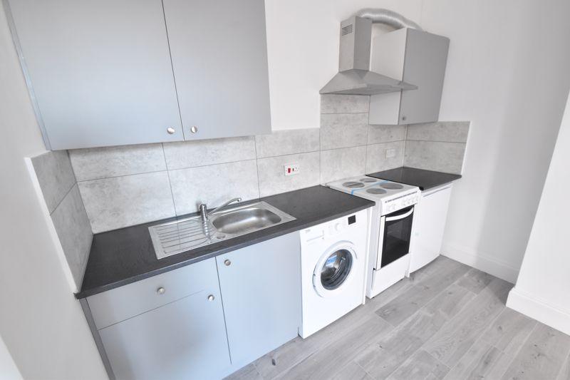 0 bedroom Flat to rent in Napier Road, Luton - Photo 2