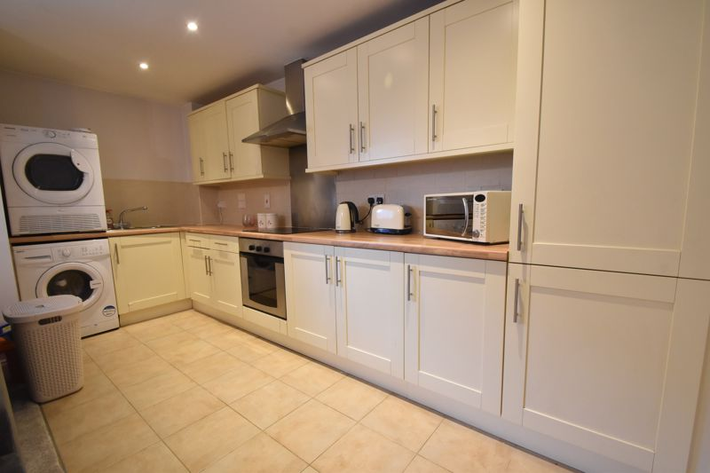 1 bedroom Flat to buy in South Road, Luton - Photo 8