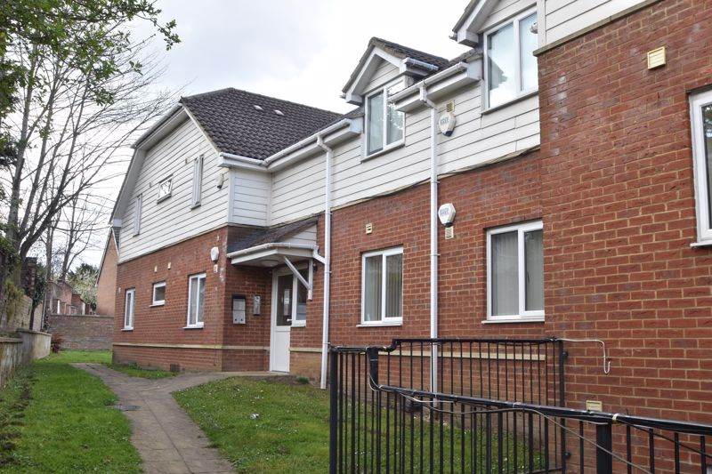 1 bedroom Flat to buy in South Road, Luton