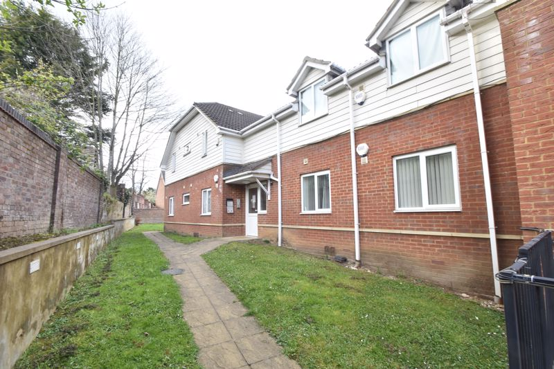 1 bedroom Flat to buy in South Road, Luton - Photo 17