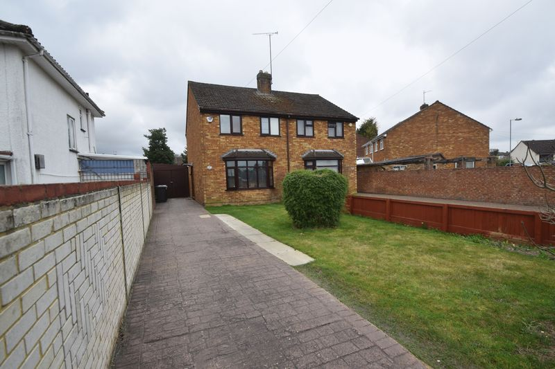 3 bedroom Semi-Detached  to rent in Browning Road, Luton