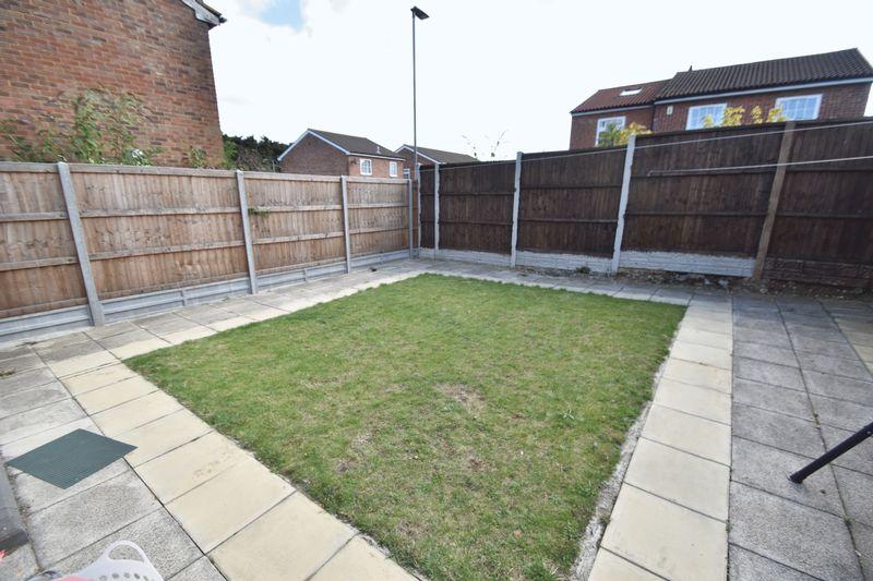3 bedroom Detached  to rent in Raynham Way, Luton - Photo 8
