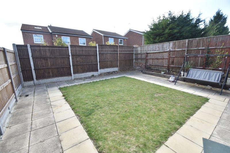 3 bedroom Detached  to rent in Raynham Way, Luton - Photo 9