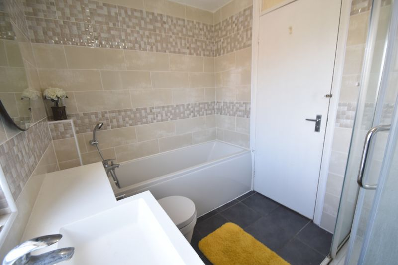 3 bedroom Detached  to rent in Raynham Way, Luton - Photo 19