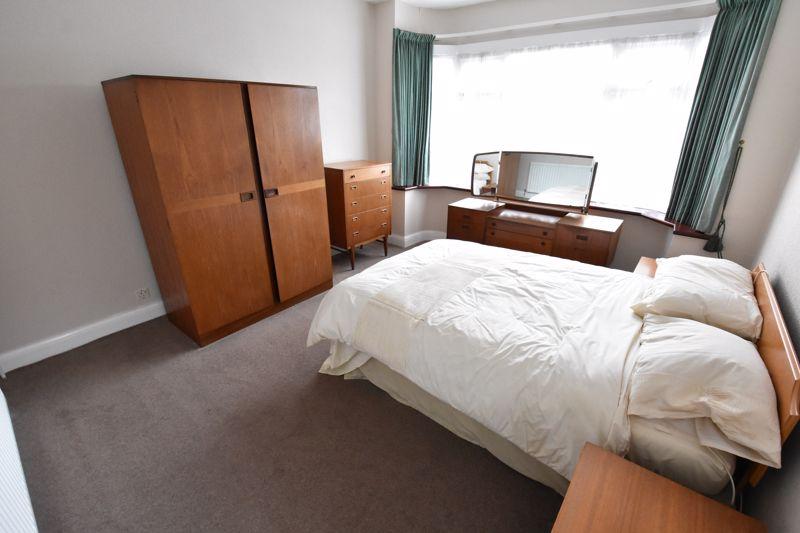 2 bedroom Bungalow to buy in Exton Avenue, Luton - Photo 7