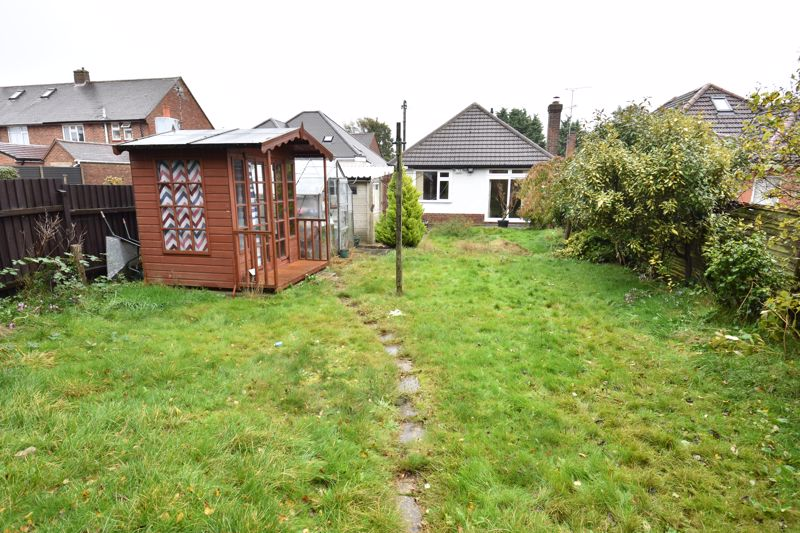 2 bedroom Bungalow to buy in Exton Avenue, Luton - Photo 13