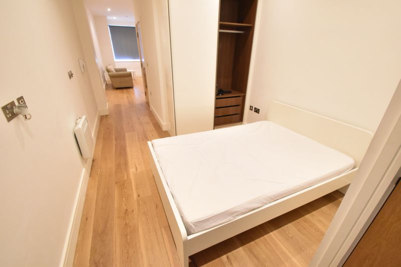 1 bedroom Apartment / Studio to buy in The Landmark, Flowers Way, Luton - Photo 6