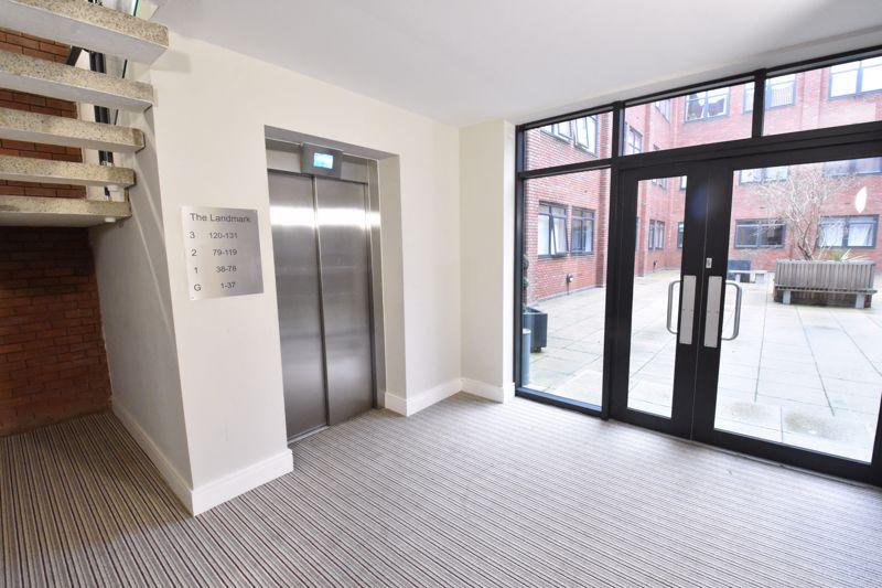 1 bedroom Apartment / Studio to buy in The Landmark, Flowers Way, Luton - Photo 9