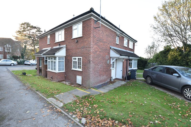 2 bedroom End Terrace to buy in Somersby Close, Luton