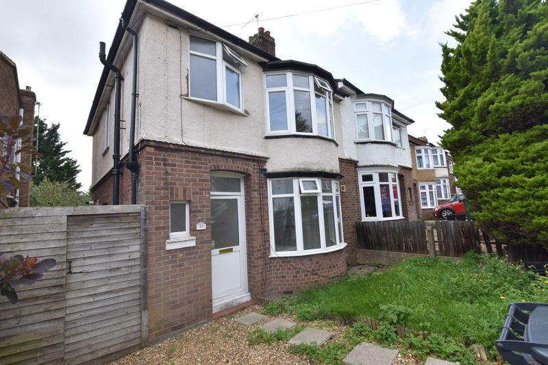 3 bedroom Semi-Detached  to rent in Milton Road, Luton - Photo 8