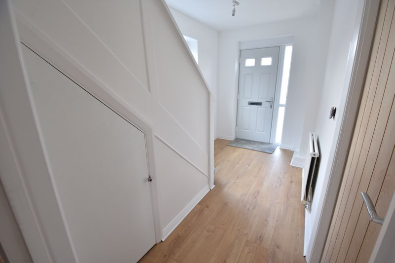 3 bedroom Semi-Detached  to buy in Crowland Road, Luton - Photo 19