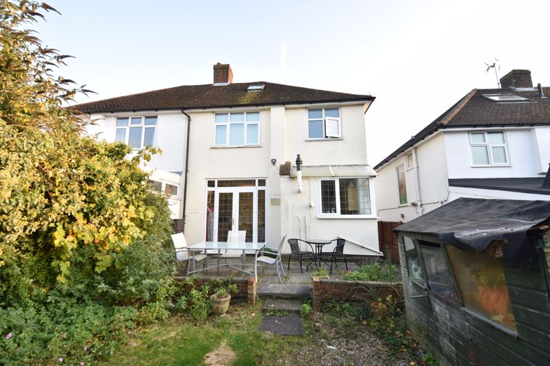 3 bedroom  to buy in  Swiftsgreen Close, Luton - Photo 4