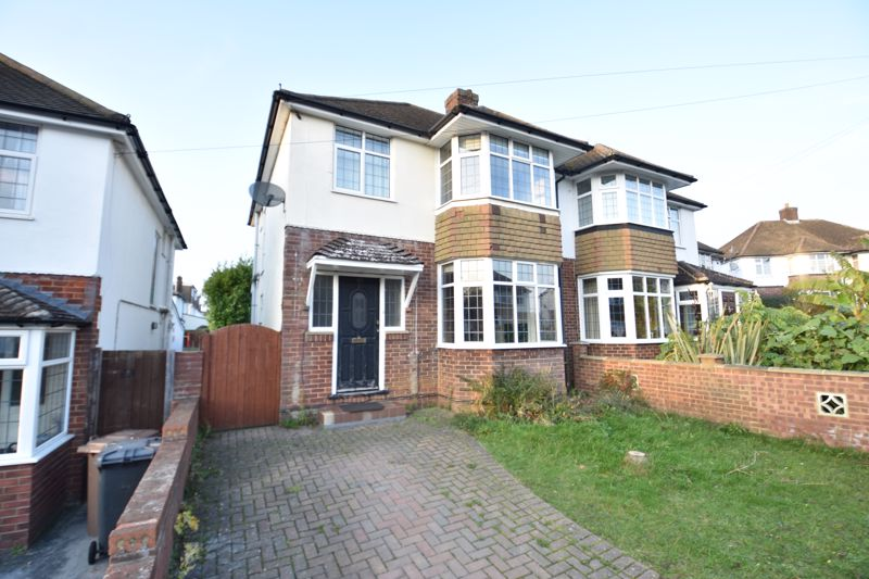 3 bedroom  to buy in  Swiftsgreen Close, Luton