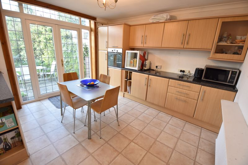 3 bedroom  to buy in  Swiftsgreen Close, Luton - Photo 6