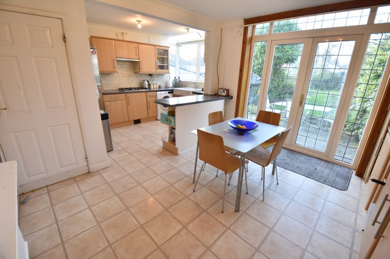 3 bedroom  to buy in  Swiftsgreen Close, Luton - Photo 8