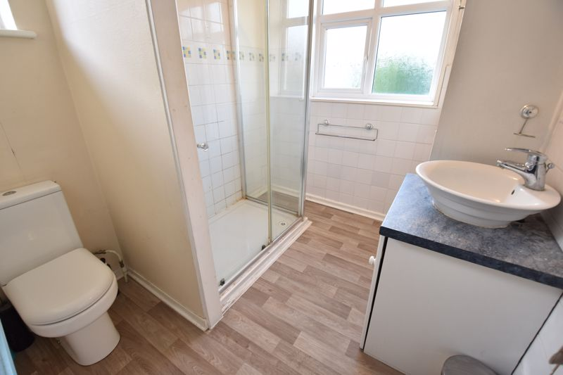 3 bedroom  to buy in  Swiftsgreen Close, Luton - Photo 12