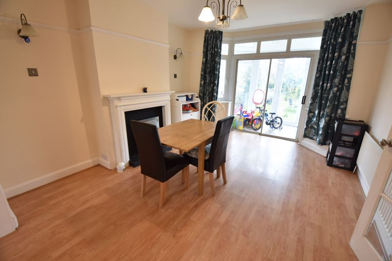3 bedroom Semi-Detached  to buy in St. Martins Avenue, Luton - Photo 8